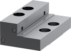 Stepped jaw movable 125